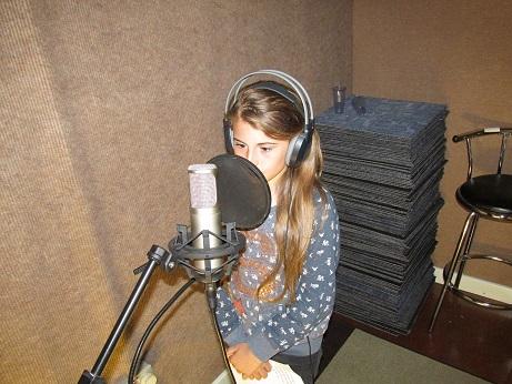 Children Help Record Bridge Vocals for Challan Carmichael's New Song